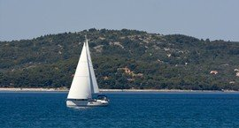 Sailing yacht for charter in Zadar area